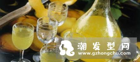橘子皮去油洗发水的制作方法步骤 混合纯水和洗发水